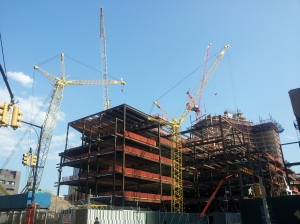 A building project in Brooklyn that had 3-6 cranes working on it every day