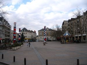 A modern square in the rebuilt part of Châteauroux.