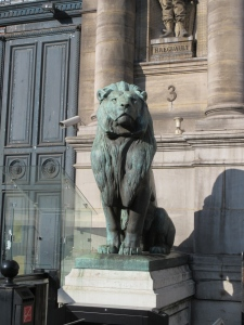 Lion outside Hôtel de Ville, City Hall.