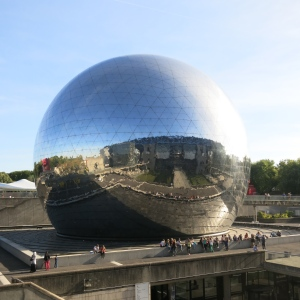 La Géode at Cité des Sciences et de l'Industrie.