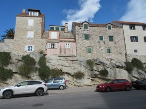 Building on bedrock is not a challenge  on the Dalmatian coast.