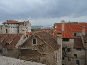 Inside the Palace walls. Houses made from the fortress and built on top of each other.