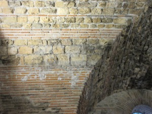 Roman construction circa 300AD. Notice the mortar layers are thicker than the red bricks.